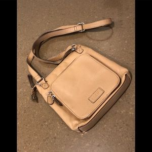 Cute & functional faux leather Relic crossbody